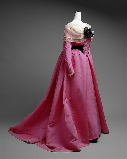 Rate The Dress: 18th Century Revivalism In The 1900s (and