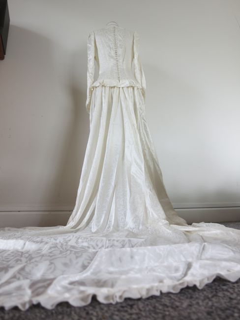 Late 1940s acetate wedding dress thedreamstress.com