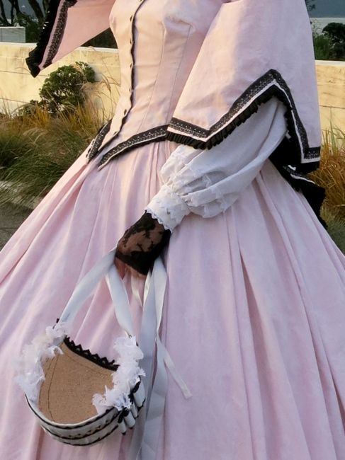 1860s engageantes thedreamstress.com
