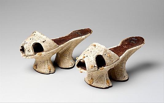 Chopines, ca. 1600, Italian, leather, silk, wood, 1973.114.4a, b