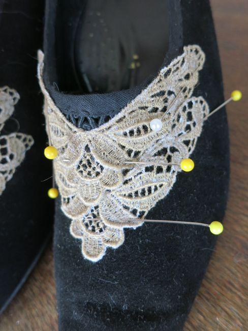 Making 1877 Manet's Nana Louis heeled shoes thedreamstress.com
