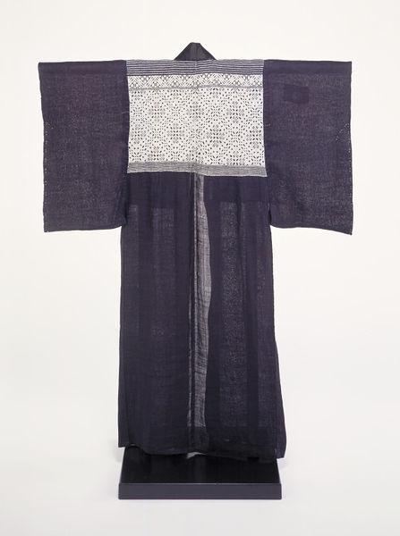 Kimono , Aomori, Japan, 1890-1930, Indigo-dyed plain weave ramie with a stitched cotton design, Victoria & Albert Museum, FE.141-1983
