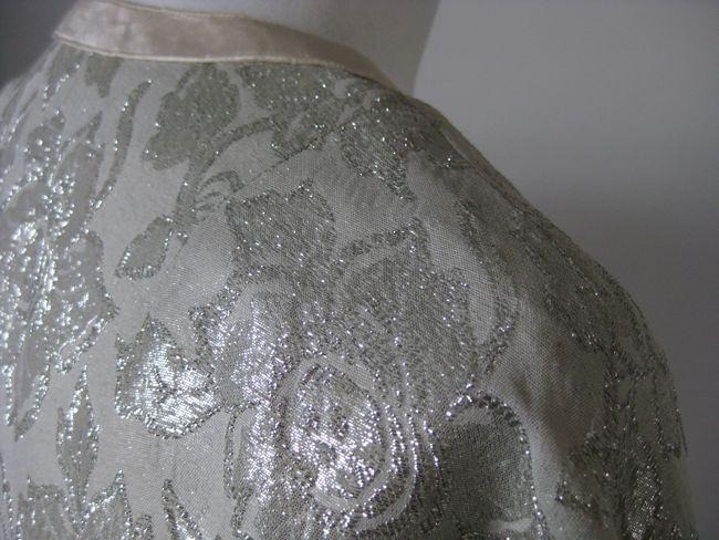 A continuous brocade with a pattern formed of lamé threads that have been cut on the reverse of the fabric.