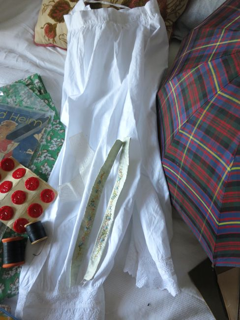Divided drawers and other goodies thedreamstress.com