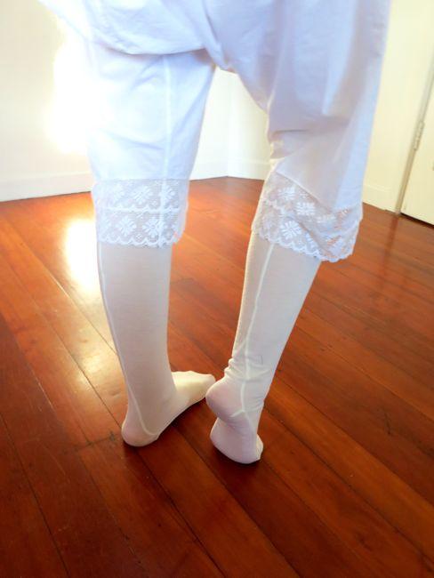 Merino knit stockings thedreamstress.com
