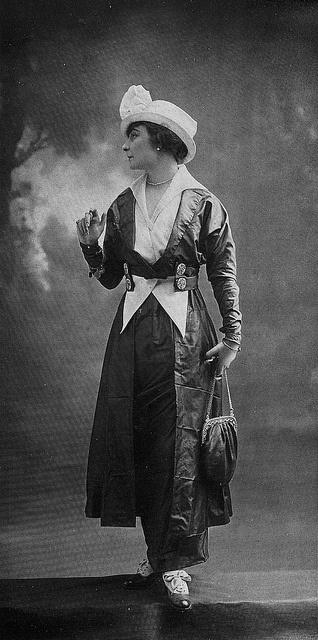 Les Modes ,1914, Robe d'apres-midi par Bulloz