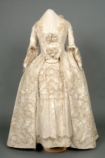 Wedding Dress of Cream Silk, 1785
