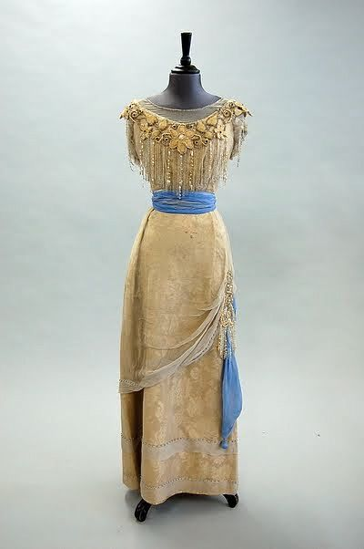 Evening dress, ca. 1910, via Kerry Taylor Auctions