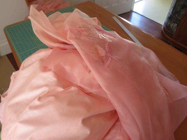 A romantic-era ballerina meets 1950s dress thedreamstress.com