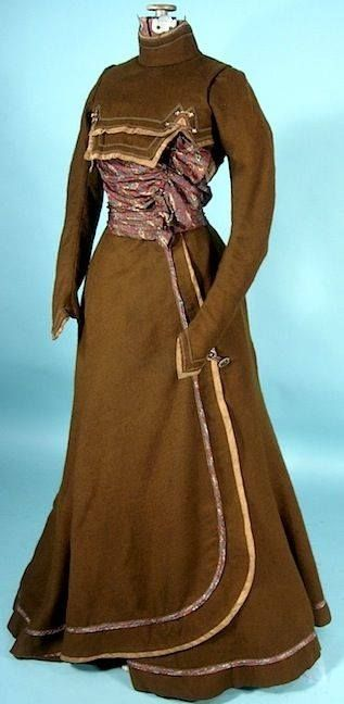 Ensemble (dress in two parts) in brown wool and paisley silk, ca. 1900, sold via Antique Dress.com
