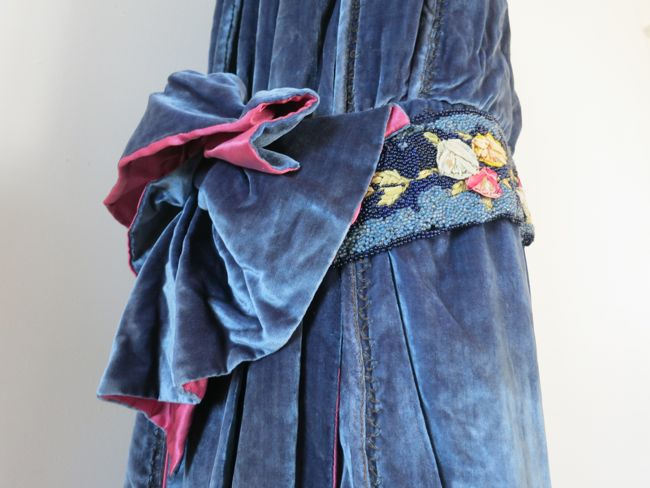 Velvet dress by Mrs Martina Downing, mid 1920s thedreamstress.com