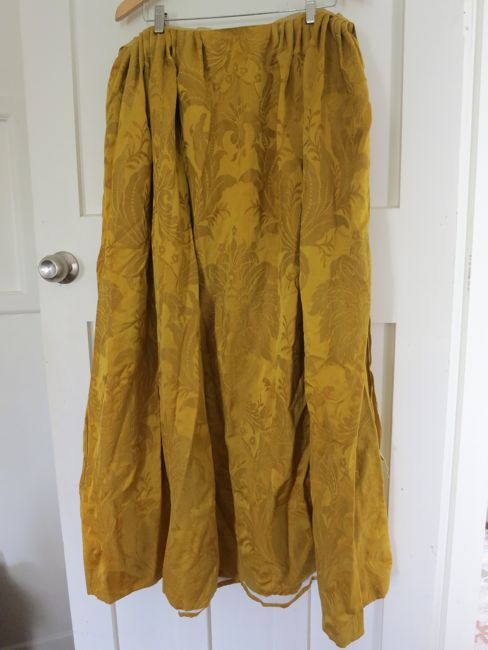 A 1720s petticoat for Mariana Victoria thedreamstress.com