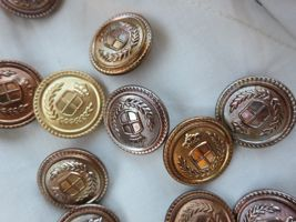How to 'antique' cheap gold buttons or jewellery thedreamstress.com