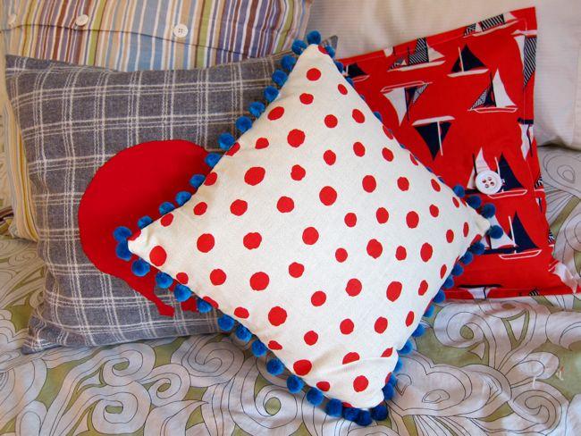 Bobble cushion The Dreamstress.com