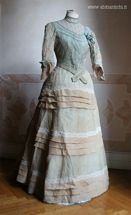Dress in two parts of linen and possibly silk, 1886, Abiti Antichi 165