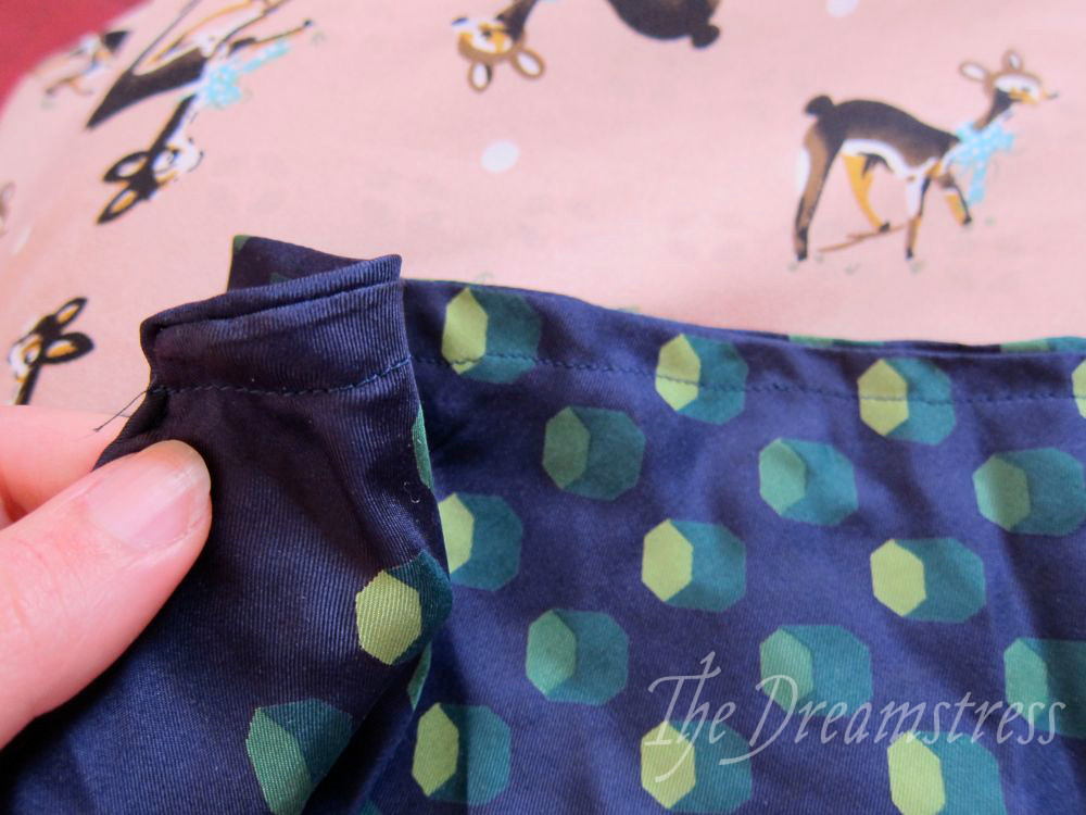 How to make a 30s handkerchief halter thedreamstress.com10
