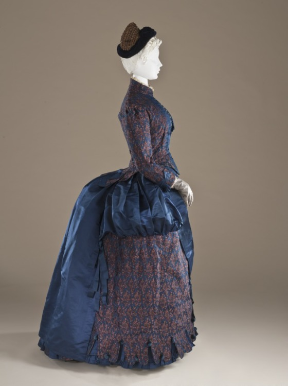 Woman's Dress, England, circa 1885, Silk (plain weave with warp-float and supplementary weft patterning) and silk satin LACMA, M.2007.211.781a-b