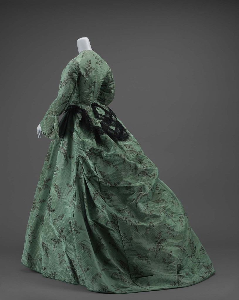Dress,  American, about 1865, warp-printed figured silk taffeta, bobbin lace MFA Boston, 46.105a-b