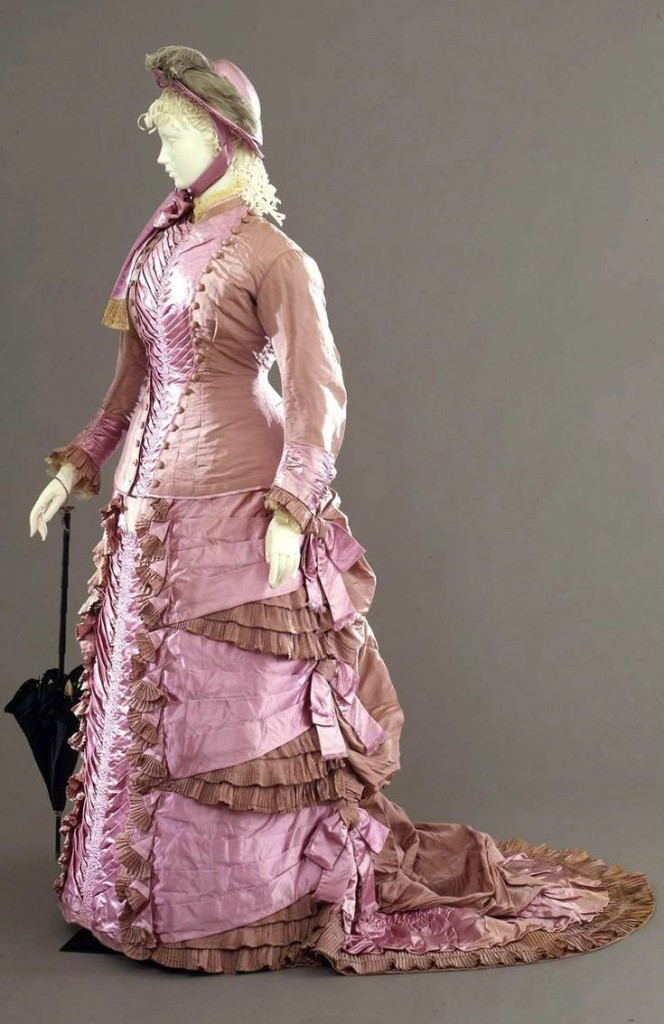 Walking dress in two pieces (jacket and skirt) in gros effect violet taffetas, Sartoria Madame Grazini, Naples, 1878-1880