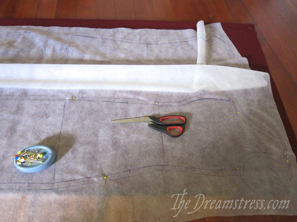 Draping and cutting a 14th century gown - The Dreamstress