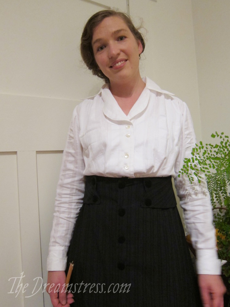 Doing housework in 1910s clothes thedreamstress.com - 3
