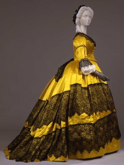Женские платья кринолин бальные и корсеты