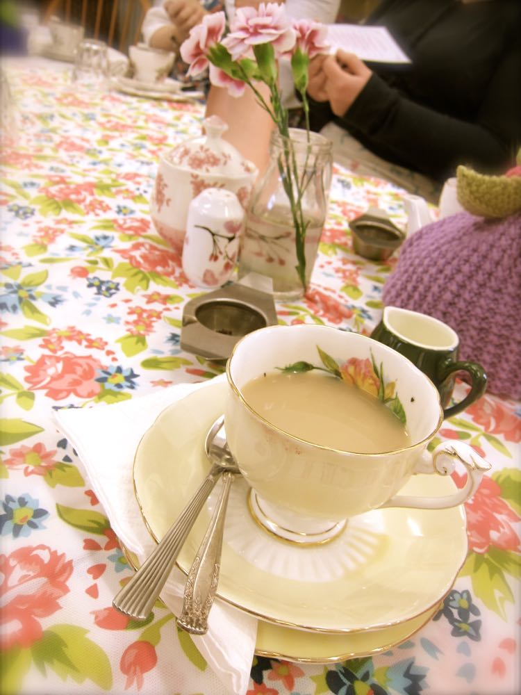 Taking tea with the WSB thedreamstress.com2