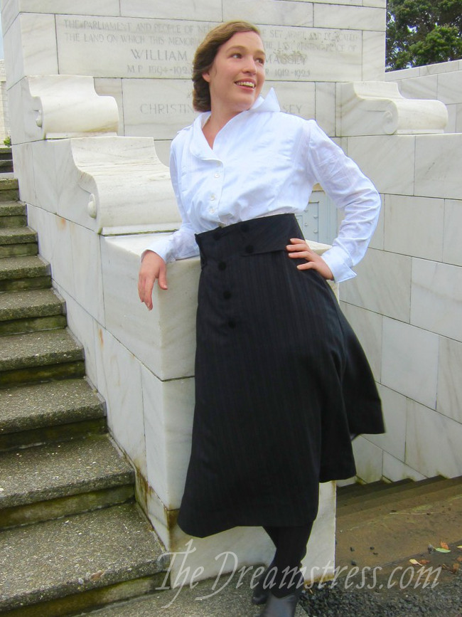Wearing History's 1916 skirt thedreamstress.com - 7