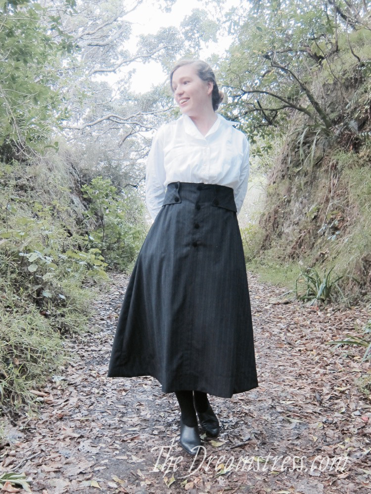 Wearing History's 1916 skirt thedreamstress.com - 8