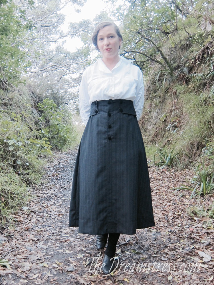Wearing History's 1916 skirt thedreamstress.com - 9