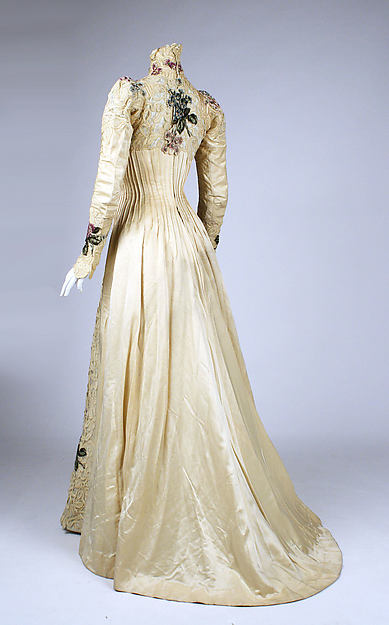Dress, E Stauffer, New York, ca 1900, silk, Metropolitan Museum of Art, 1979.346.207
