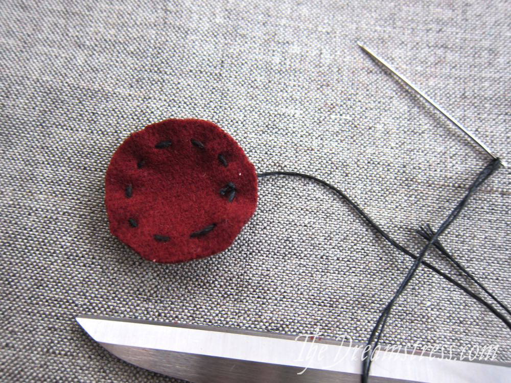 Making medieval buttons06