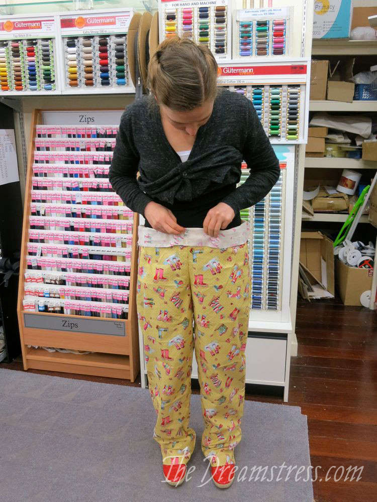 Pinning the waist front levels