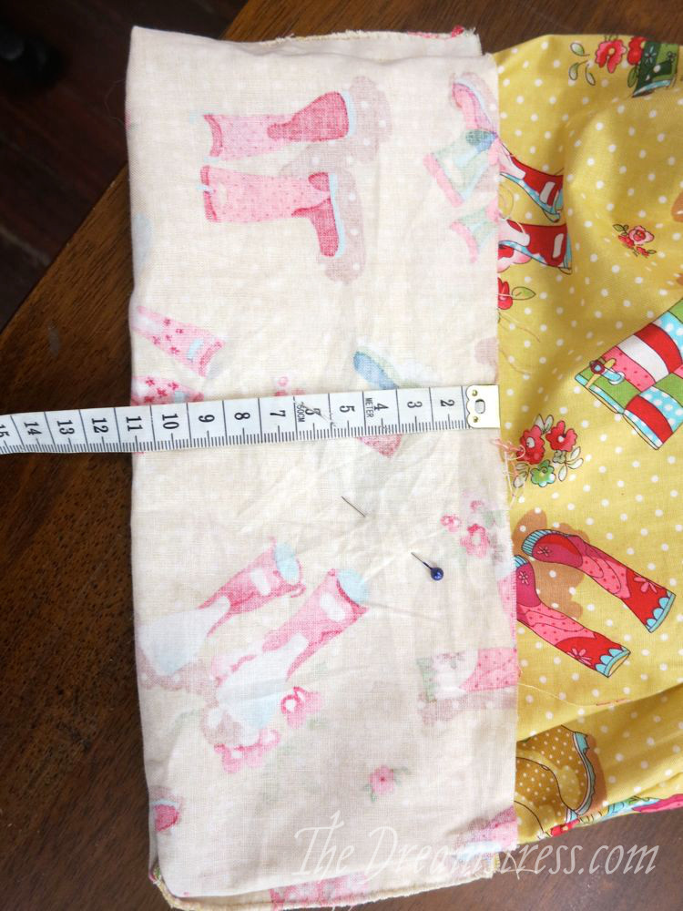 Measuring the fold-up of the hem