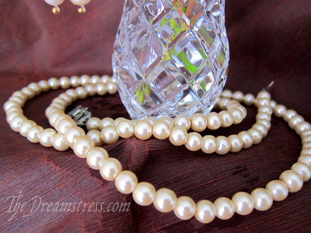 A set of Baroque pearl accessories - The Dreamstress