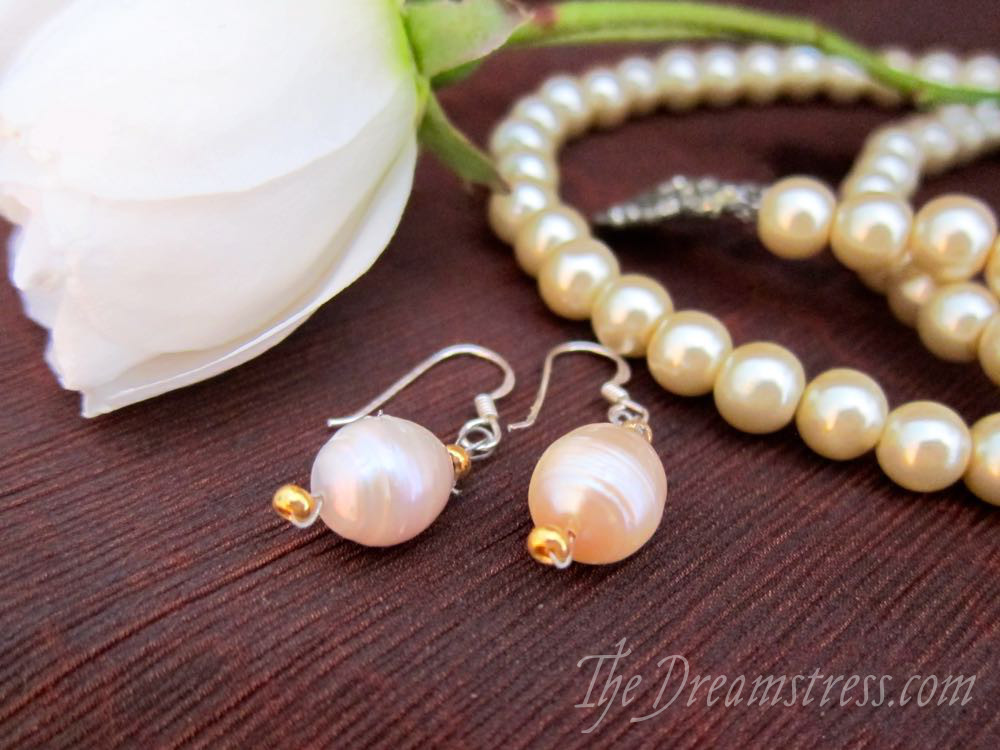 17th century pearl accessories thedreamstress.com2