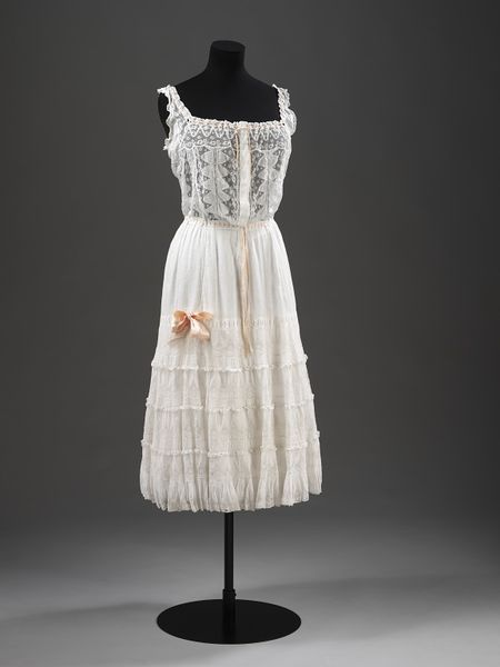 Petticoat, England, Great Britain, ca. 1905, Lawn with lace insertions and ribbons, V&A, T.61-1973