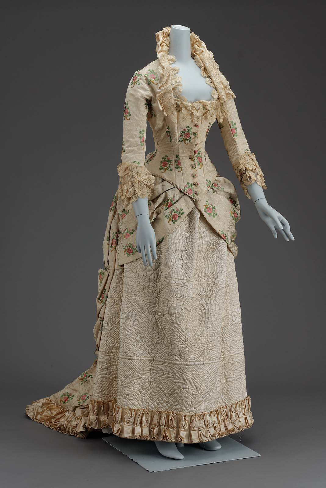 Woman's dress, American, 1880, silk with silk lace & cotton lining, MFA Boston, 53.90a-b