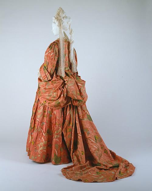 Mantua, ca. 1708, British, silk, metal, Metropolitan Museum of Art, 991.6.1a, b