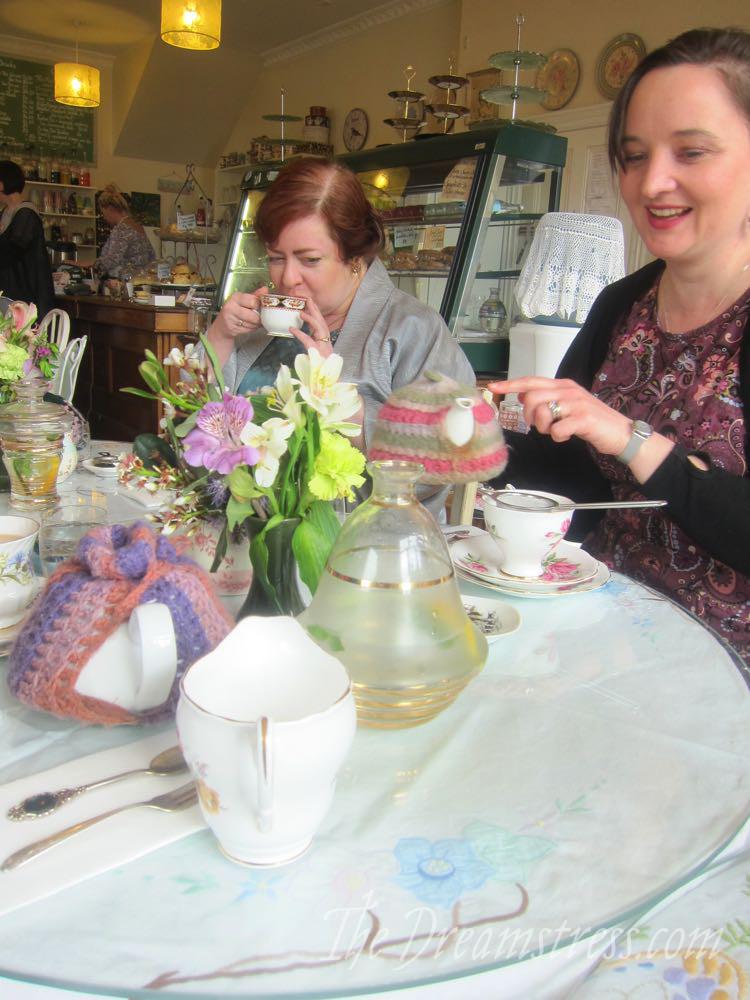Afternoon tea & Afternoon tea & dress ups thedreamstress.com ups thedreamstress.com03
