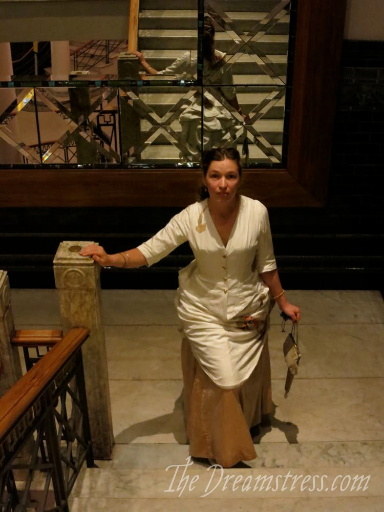 Dress ups with the Comtesse thedreamstress.com