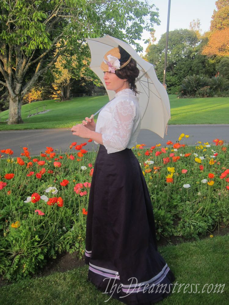 A lace 1900s blouse thedreamstress.com