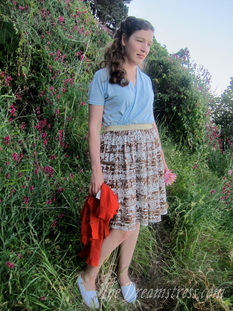 Bayeux Tapestry skirt thedreamstress.com