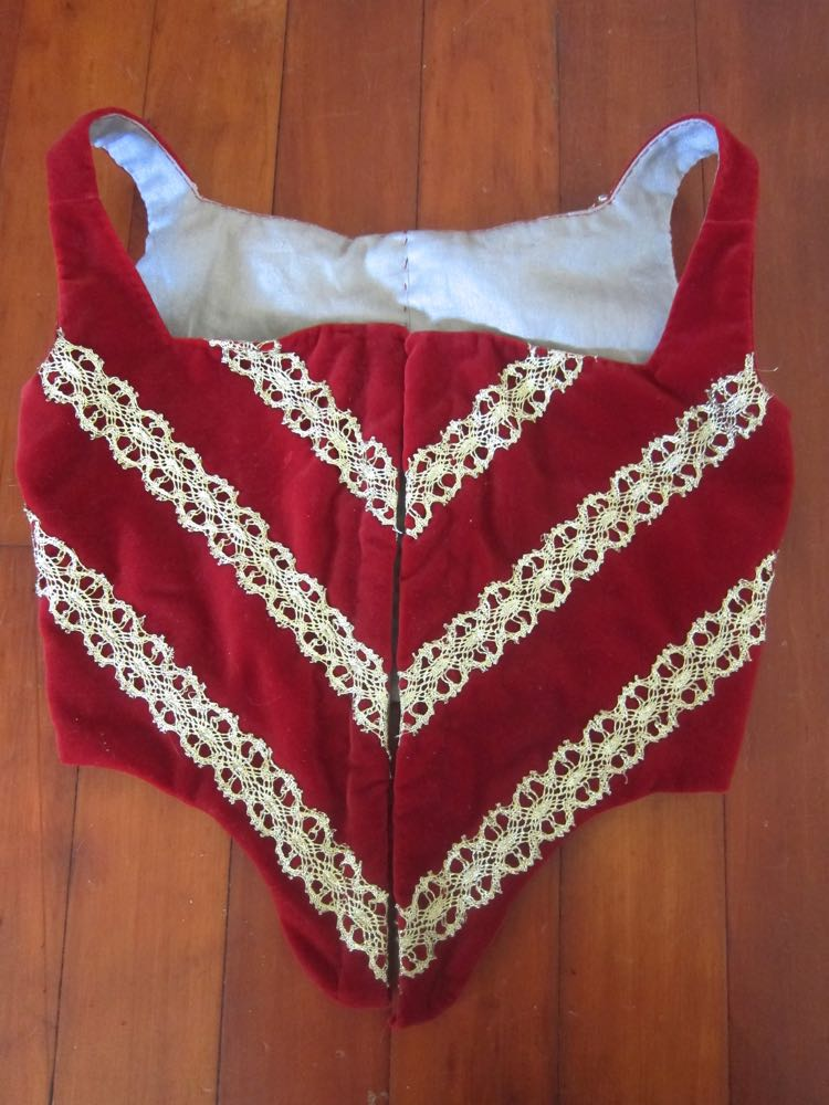 Red Velvet Elizabethan thedreamstress.com