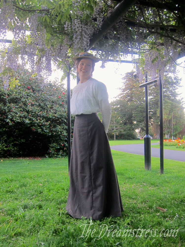 A 1900s Anne of Green Gables skirt thedreamstress.com