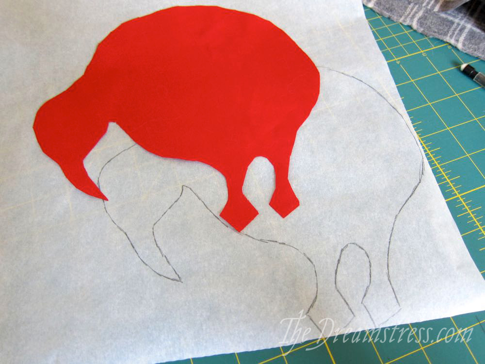 Pig felt pillow · how to sew an applique cushion · sewing and