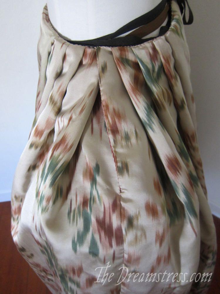 An 18th century chiné a la branche petticoat thedreamstress.com07