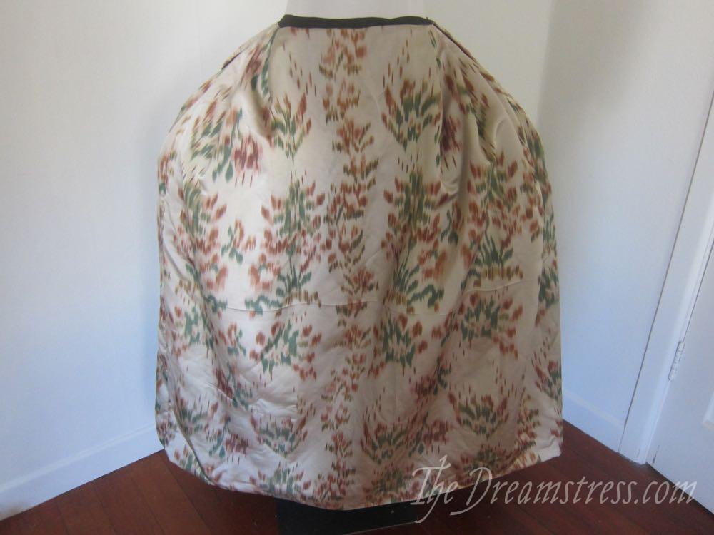 An 18th century chiné a la branche petticoat thedreamstress.com08
