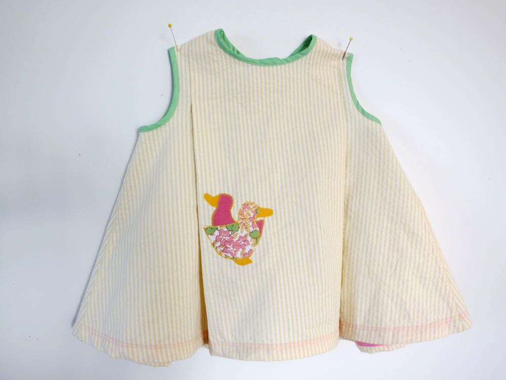 Vintage sewing for wee ones thedreamstress.com1