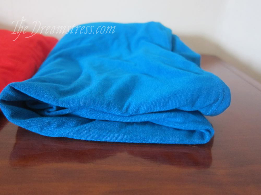 How to pick knit fabric for T-shirts thedreamstress.com
